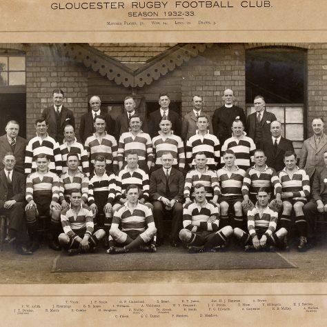 1932 - 1933 Team