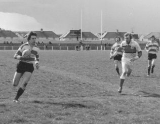 Bob Clewes scores in 42-0 win over Plymouth Albion April 1977