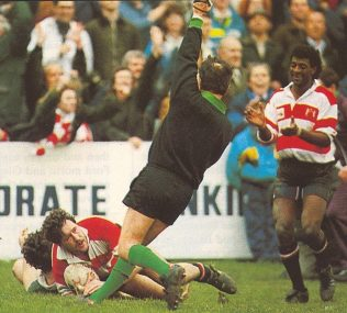 For once a bystander, Derrick Morgan applauds as Mike Teague scores in Gloucester's 1989-90 1/4 Final win over Nottingham