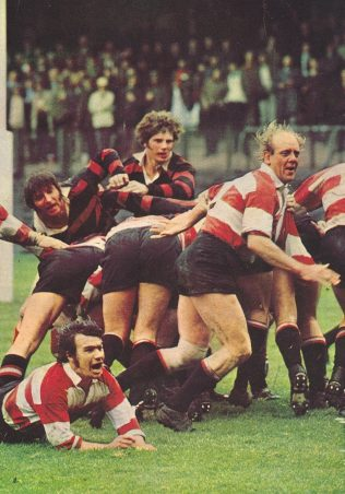 Mickey Booth passes;Mike Potter breaks - Cup Final 1972 | Rugby world cover August 1972